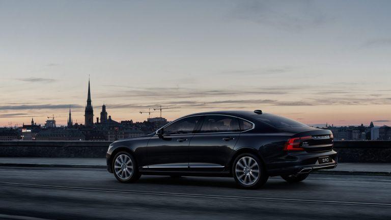Volvo S90 - Nová definice manažerské limuzíny
